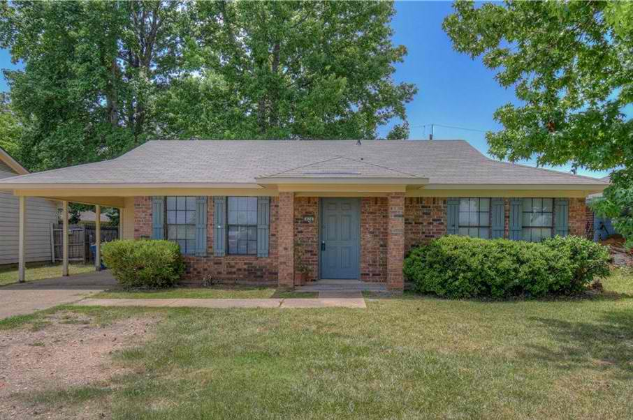 This beautiful Haughton home has been completely remodeled! Three bedrooms and two full bathrooms perfectly priced in incredible condition, ready for a new family to move-in.